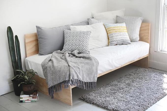 Стильный диван изфанеры (который высделаете за1день)!