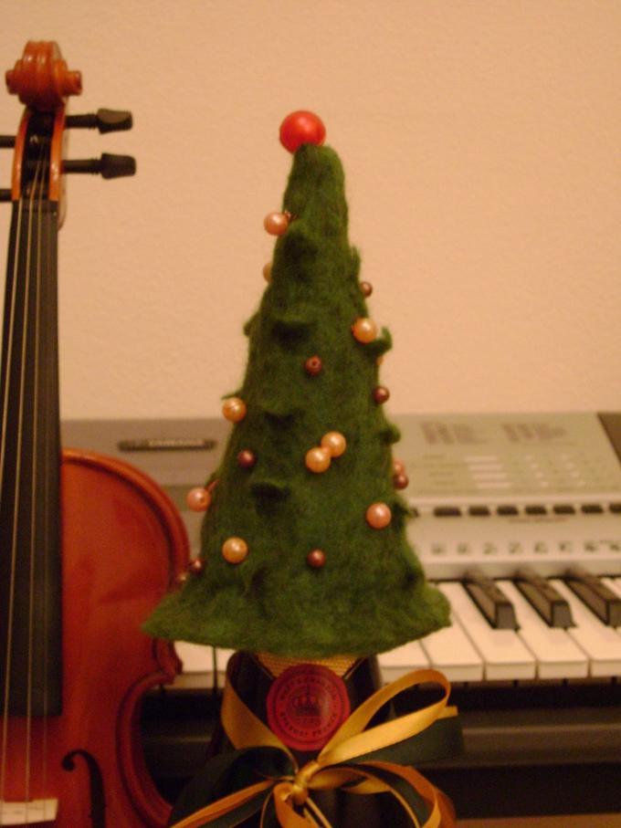 Валяние изшерсти: новогодняя ёлка своими руками