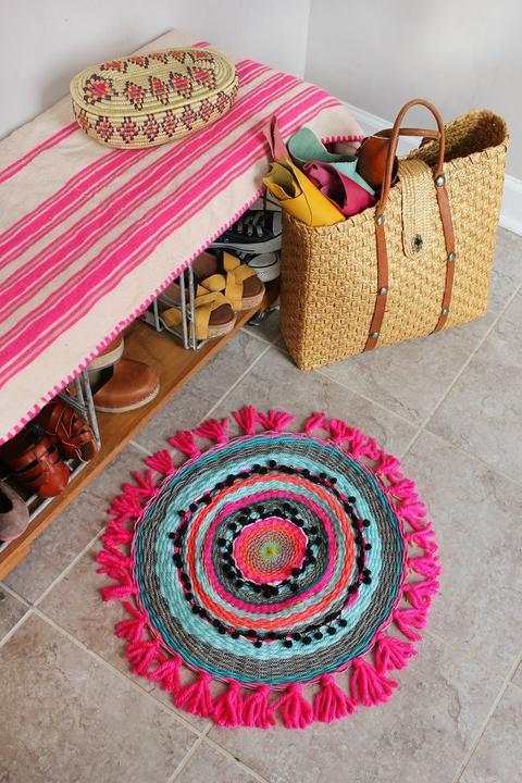 Как сплести круглый коврик изшерстяной пряжи