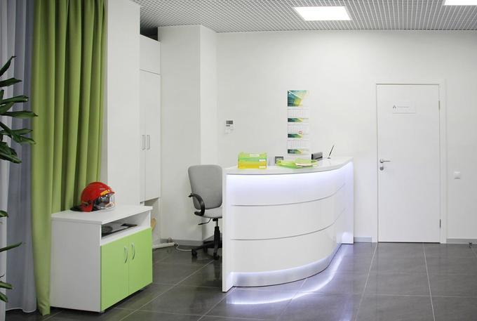 Пример современного офисного интерьера вООО «АВТЕЛКОМ»