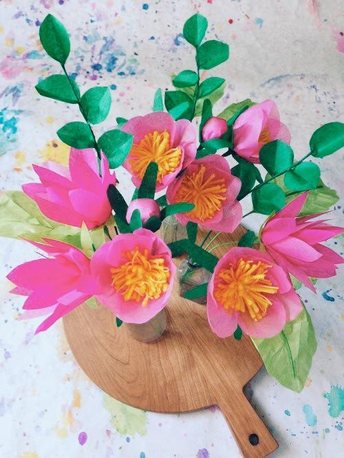 Как сделать цветы изкрепированной бумаги своими руками