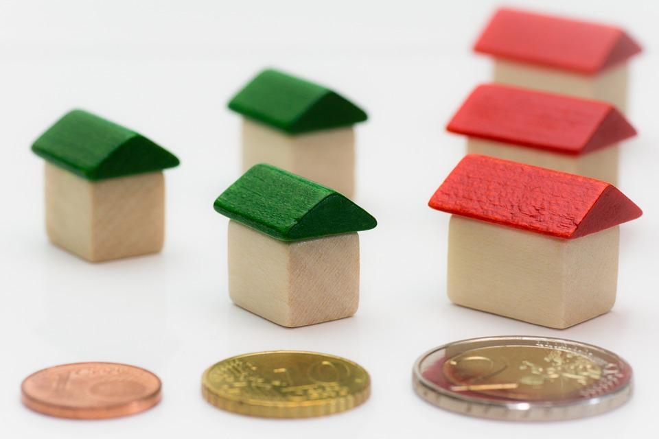 Где выгоднее покупать жилье навторичном рынке Санкт-Петербурга