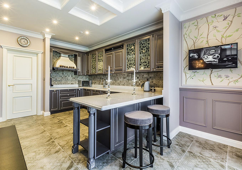 Выбрать кухонный стол