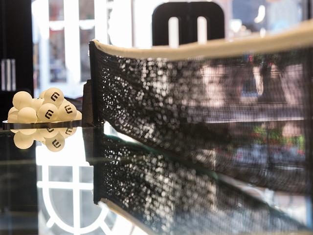 Пинг-понг из стекла