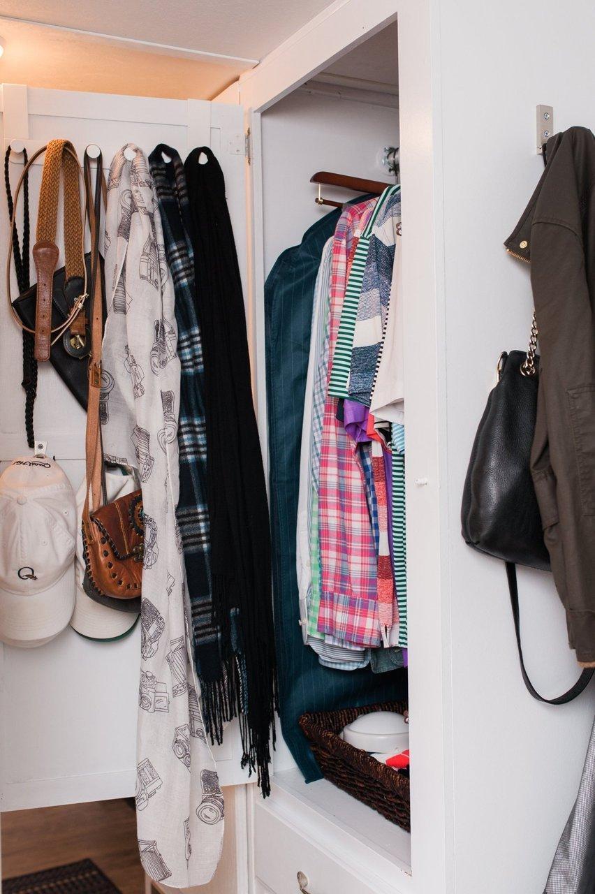 Шкаф в трейлере
