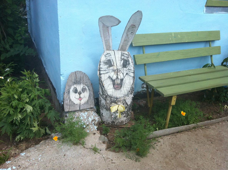 Заяц из бревен своими руками 72