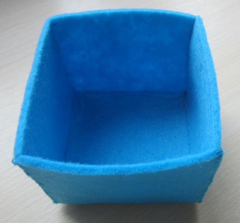 Квадратная шкатулка