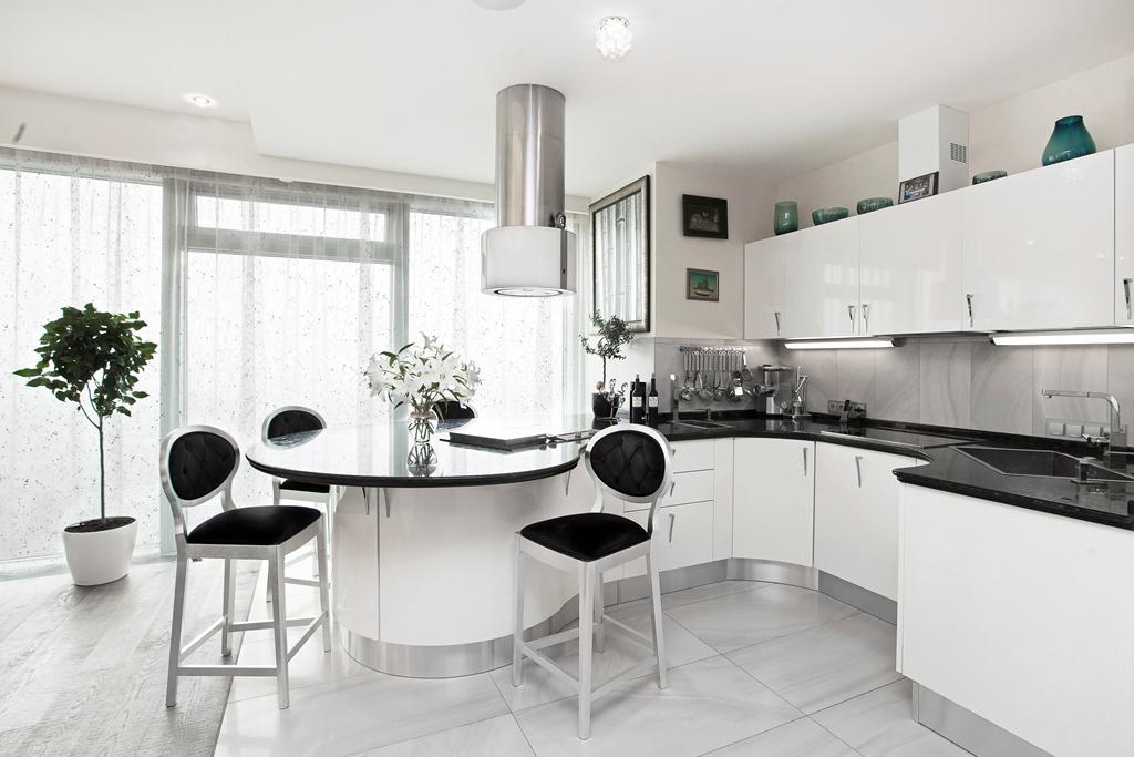 Монохромный черно-белый дизайн кухни