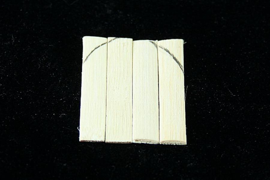 Дверка из бамбука