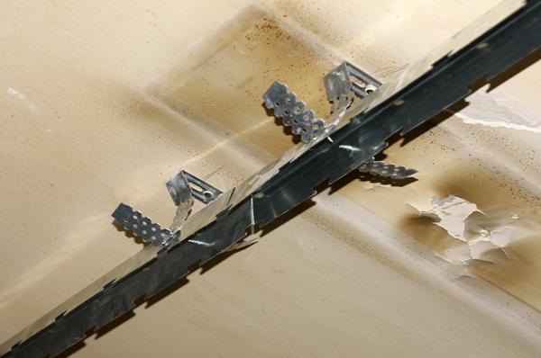 Реечный потолок сборка своими руками