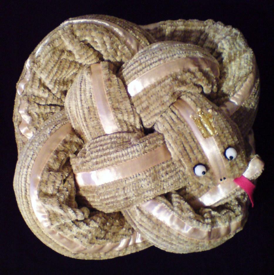 Змея из ткани