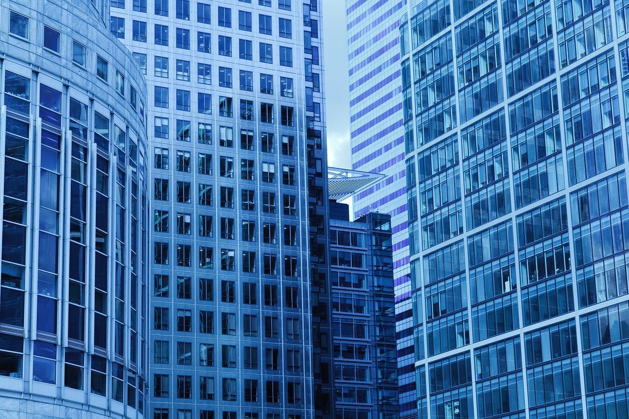 Риски при покупке квартиры вновостройке: проверка застройщика