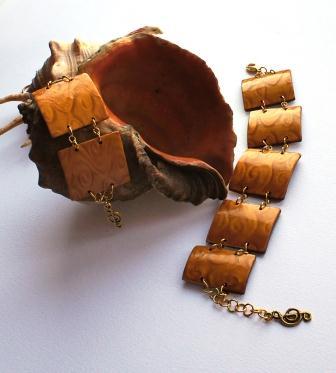Красивый браслет из глины фото