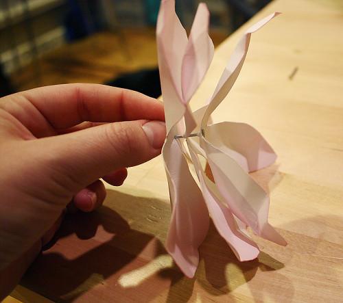 Магнолии из бумаги своими руками