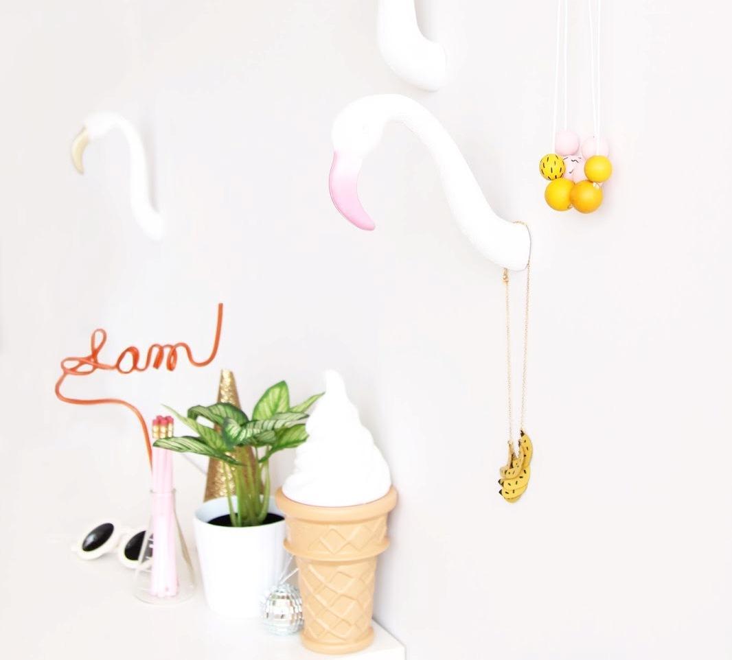 Пластиковые фламинго