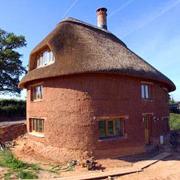 построить дом из самана