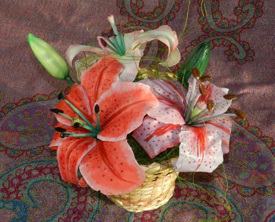 Как изготовить лилию
