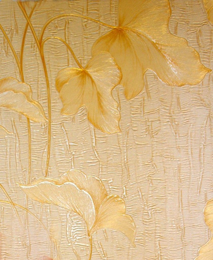 Листья на штукатурке