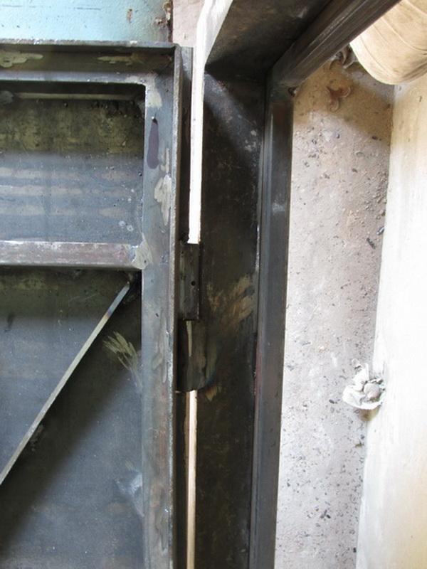 Как сделать двери из железа 46