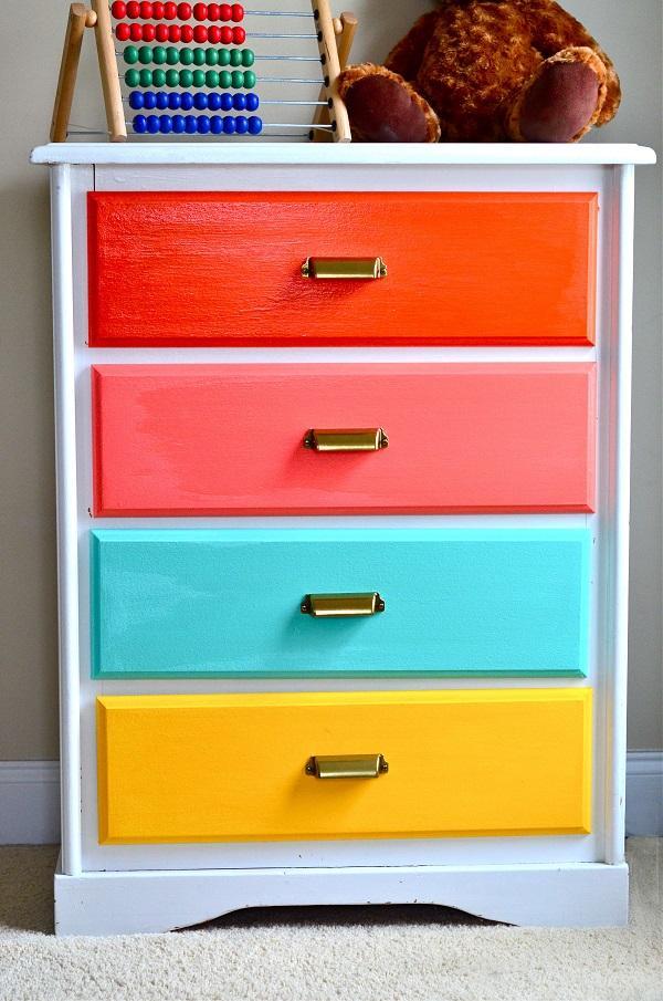 Боязнь ярких красок винтерьере или как маленькую квартиру сделать большой ицветной?