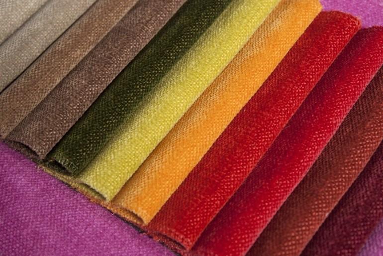 Яркий интерьерный текстиль. Что важно онем знать?