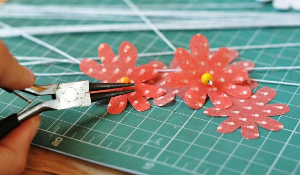 Объёмные цветы из салфеток своими руками