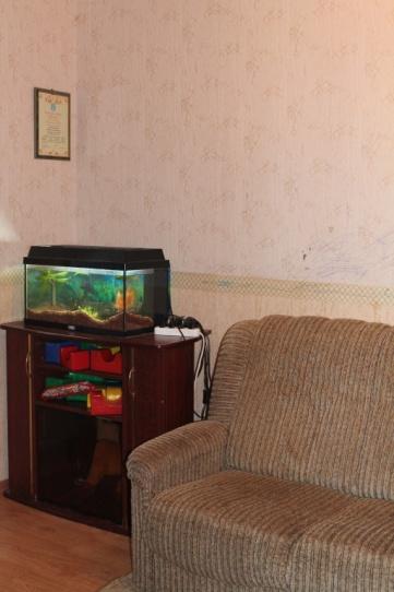 Тумбочка с аквариумом