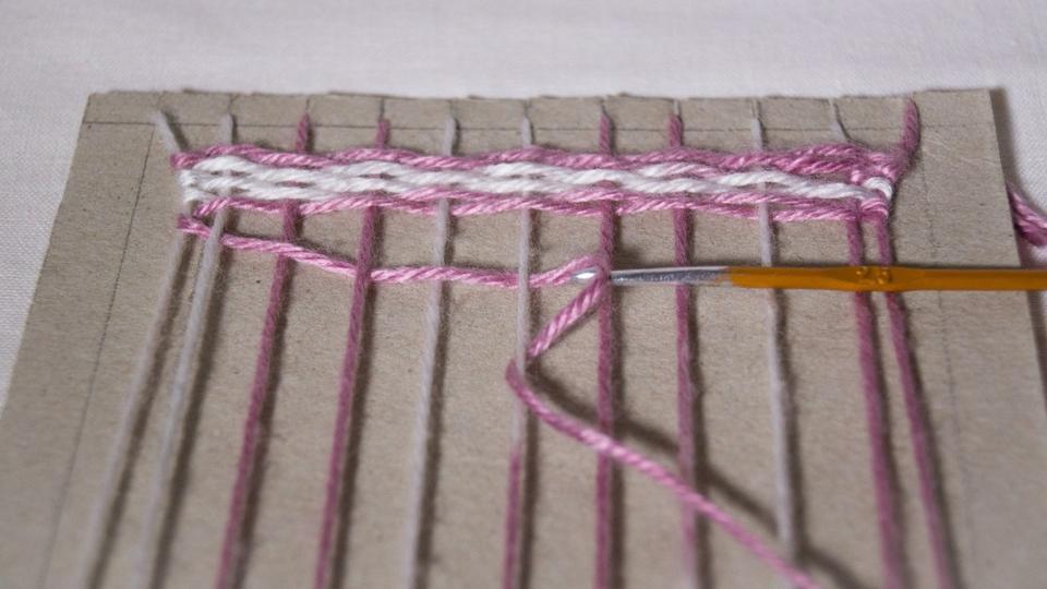 Плетение ковриков на станке