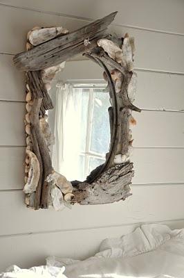 Зеркало в дереве