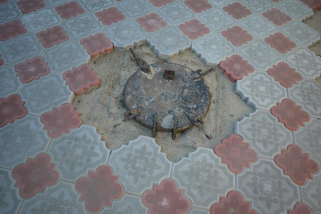 Обход препятствий возле укладке плитки