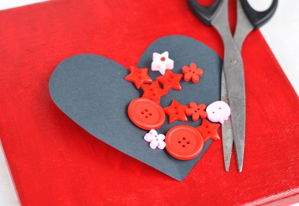 Валентинка с пуговицами