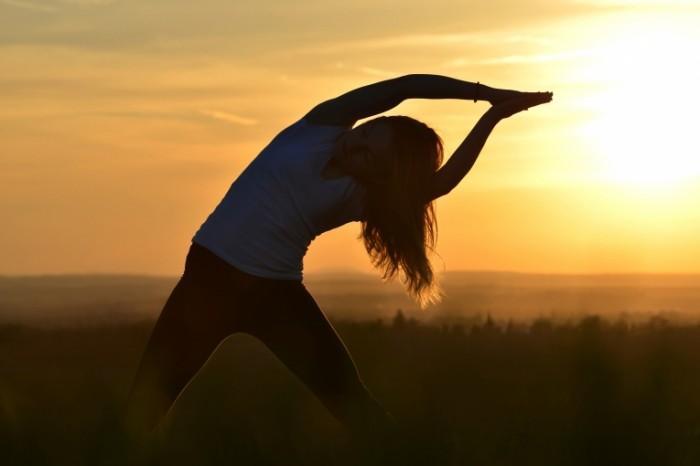 Зарядка йоги