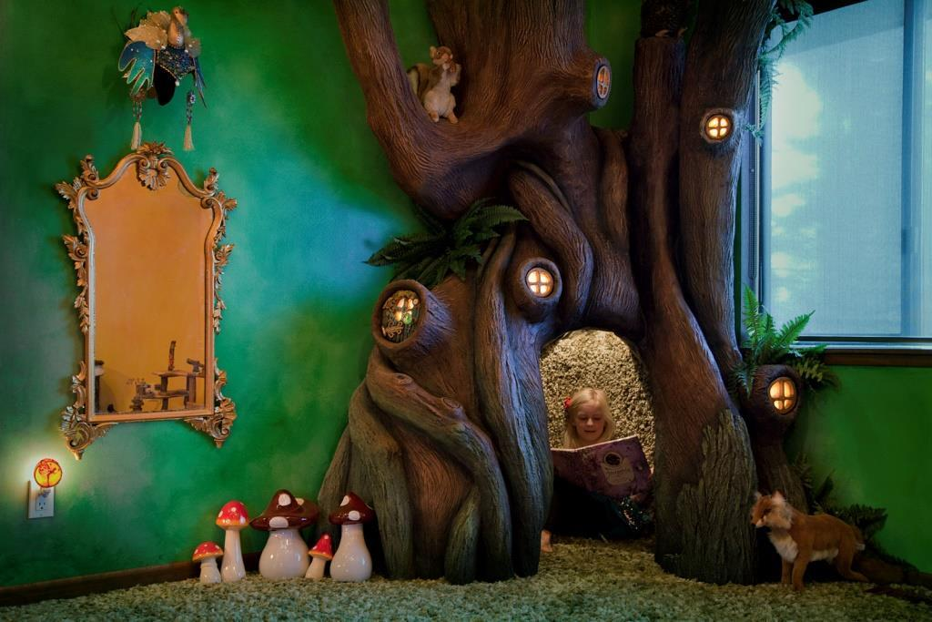 Сказочный интерьер детской комнаты для девочки
