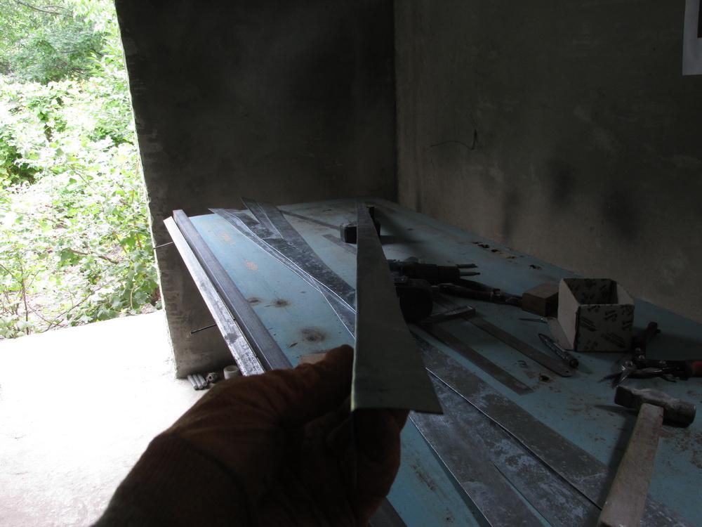 выпрямленный уголок для металлопрофиля фото