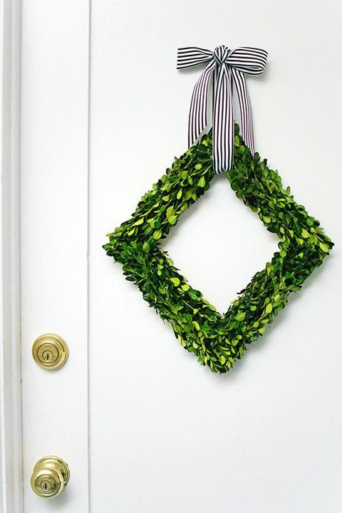 Венок на двери