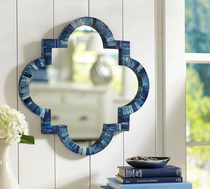 Зеркало в форме четырехлистника