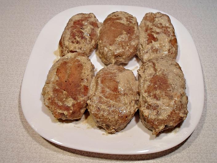 Колдуны с мясом в соусе