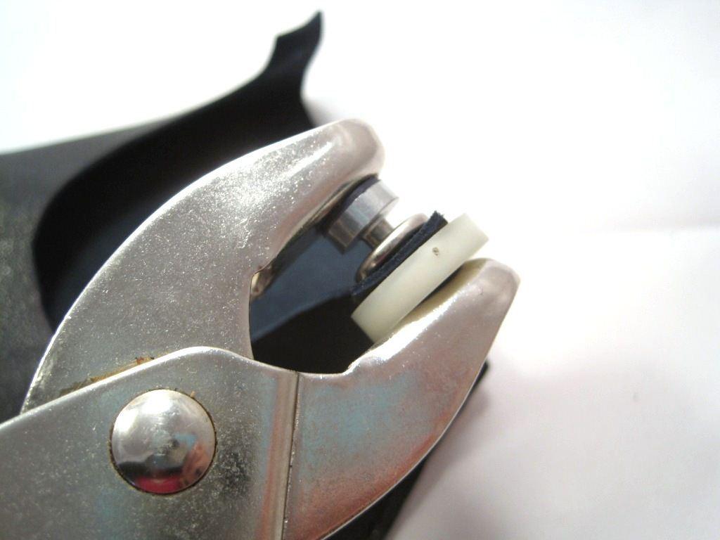 Инструмент для установки кнопок