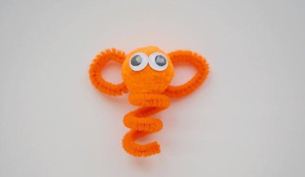 Оранжевая обезьянка
