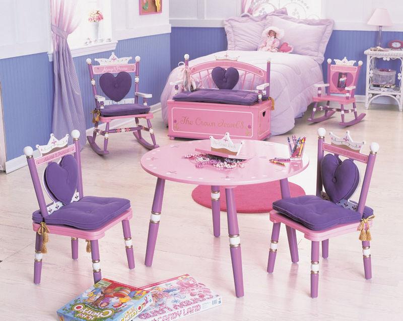 Кресло— обязательная деталь интерьера