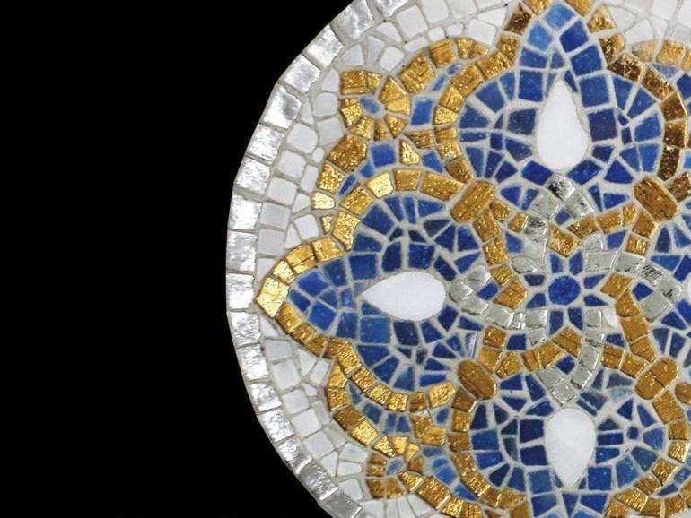 Мозаика с центрическим орнаментом
