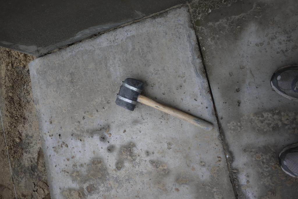 укладка тротуарной плитки своими руками молоток