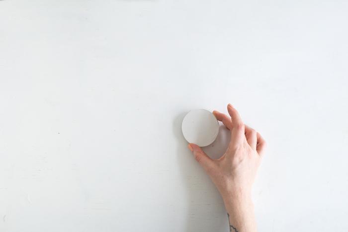 Вешалка из керамики