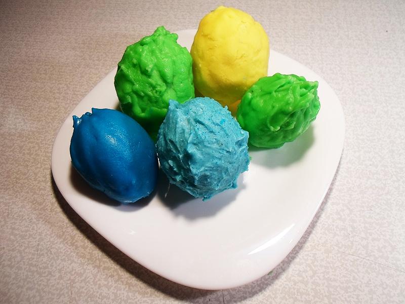 Цветные пасхальные яйца