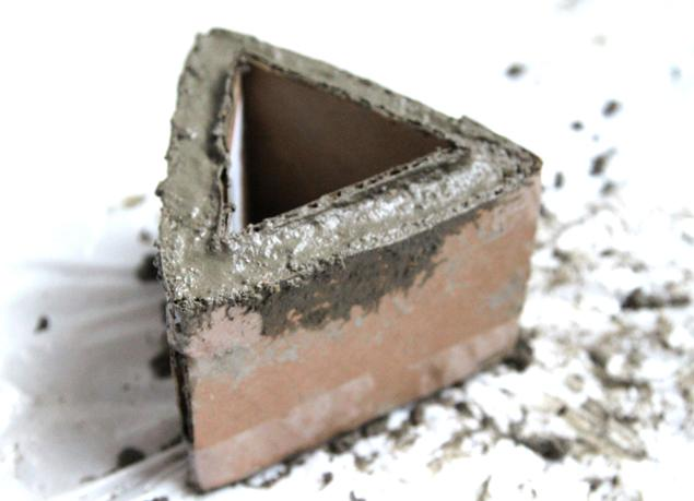 Цементный горшок