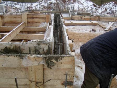 зимнее строительство фундамента фото