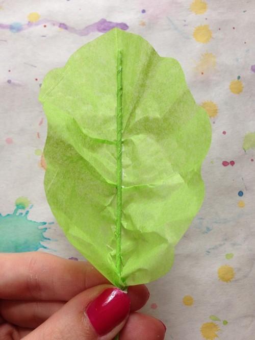 Как сделать из крепированной бумаги
