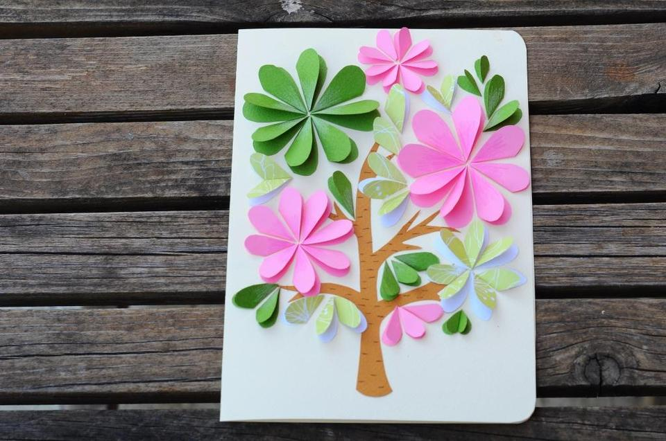 Открытка из цветной бумаги с цветами 59
