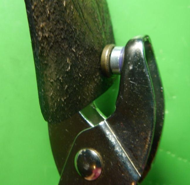 Инструмент для кнопок