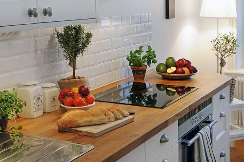 Кухни с деревянными столешницами столешница из германии купить
